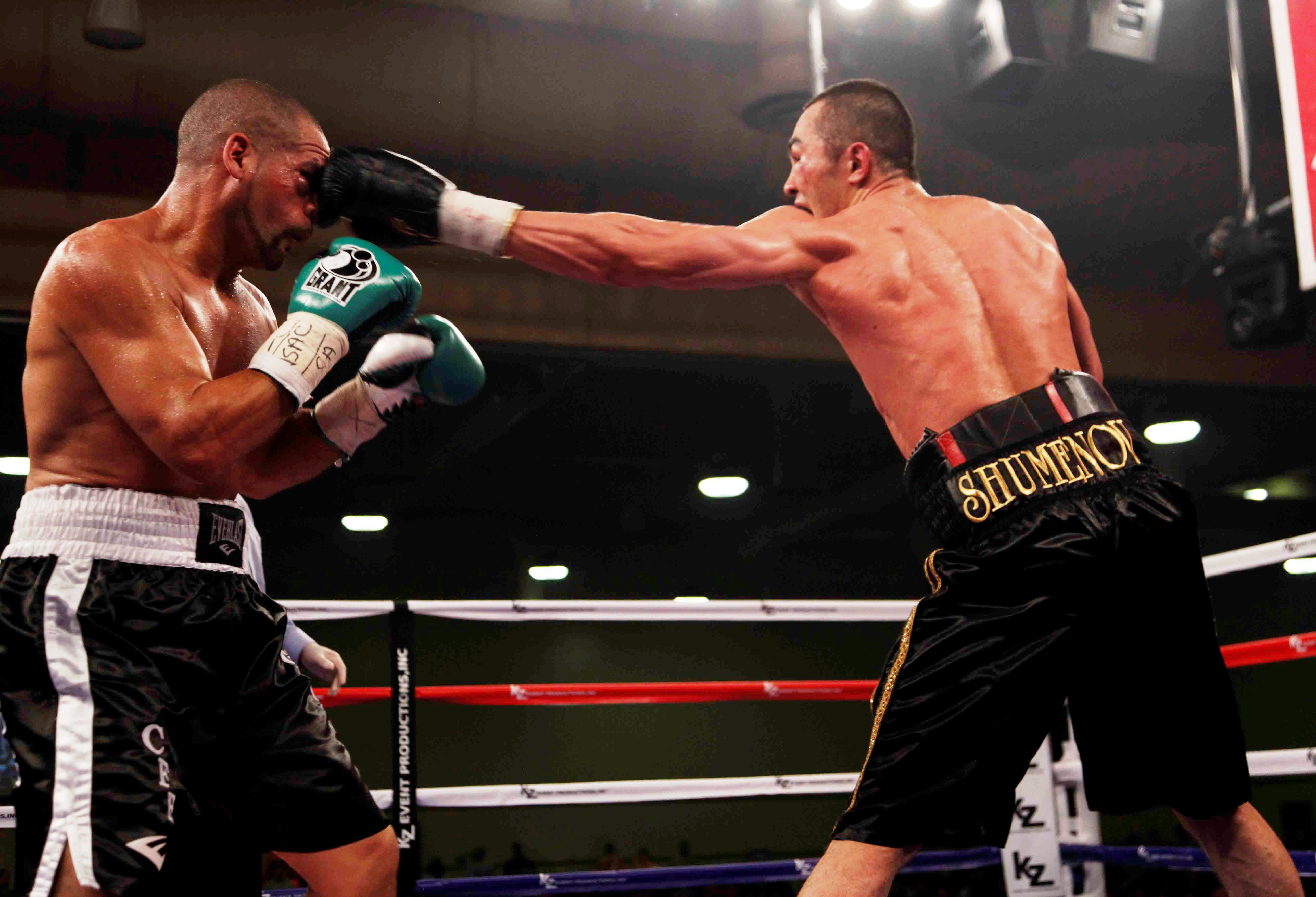 """shumenov santiago3 """"The winner of this fight is the best bantamweight in the world, of course!"""