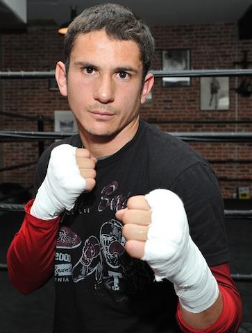 mauricio herrera boxer - 363×480