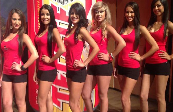 The-Chicas-Tecate-boxing-ring-card-girls-new