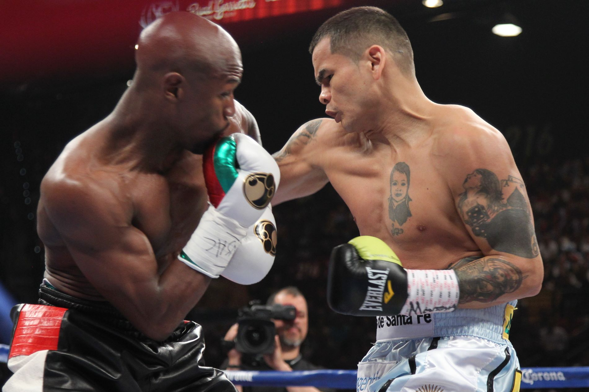 Betting odds mayweather maidana 2 david marcus paypal bitcoins
