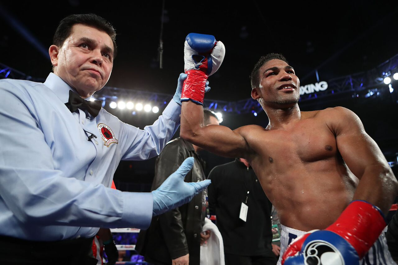 Yuriorkis Gamboa will be looking at one more shot at world championship level. Credit: Tom Hogan - Hoganphotos / GBP