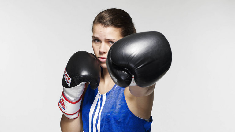 Savannah Marshall won gold at the 2014 Commonwealth championships