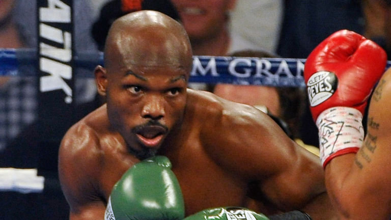 Timothy Bradley kept his undefeated record intact after beating Provodnikov. Photo Credit: skysports.com