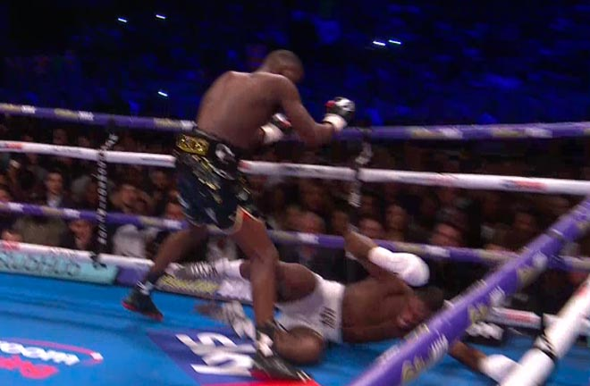 Isaac Chamberlain knocked down in round 1 by Lawrence Okolie in 'British Beef' clash. Photo Credit: Sky Sports