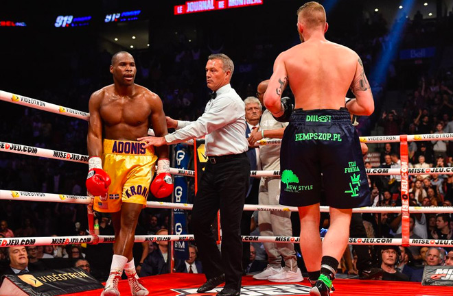 Adonis Stevenson (left) looks towards Andrzej Fonfara in his last fight.