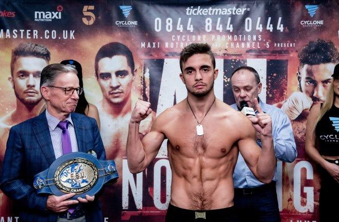 Anthony Yitit outpoints Joe Hughes. Photo Credit: BoxingScene.com