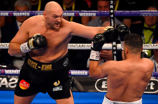 Tyson Fury's height advantage over his opponent was clear for all to see.