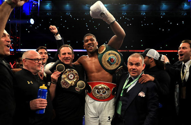 Anthony Joshua to sign contract for a potential fight against Deontay Wilder. Photo Credit: Daily Star