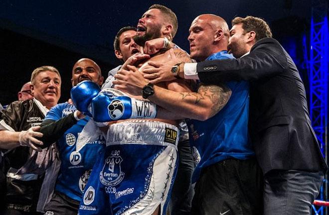 Tony Bellew knocks out Ilunga Makubu to become WBC Cruiserweight champion. Photo Credit: Liverpool Echo