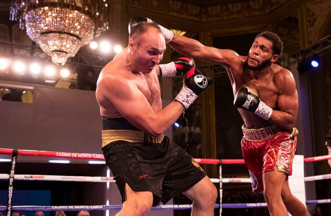 Michael Hunter knocks Alexander Ustinov out in 9 rounds. Photo Credit: Sky Sports