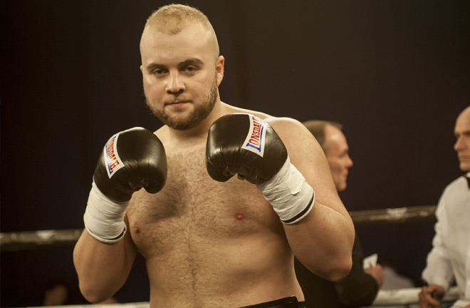 Nathan Gorman steps up in class to take on Razvan Cojanu. Photo Credit: RingNews24
