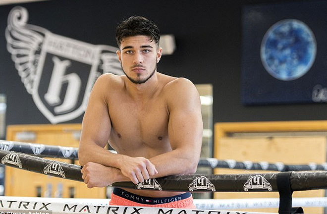 Tommy Fury makes his professional debut against Jevgenijs Andrejevs this Saturday. Photo Credit: Daily Mail