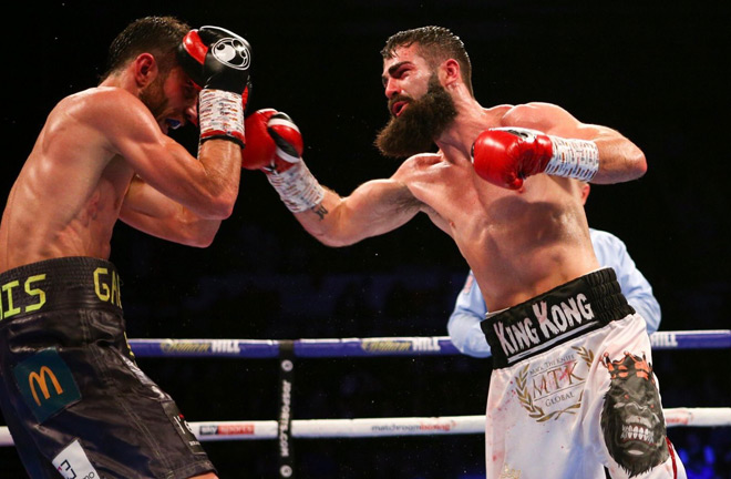Jono Carroll held to a split draw in an entertaining IBF world title final eliminator against Frenois in main event on the Brook-Zerafa Undercard.