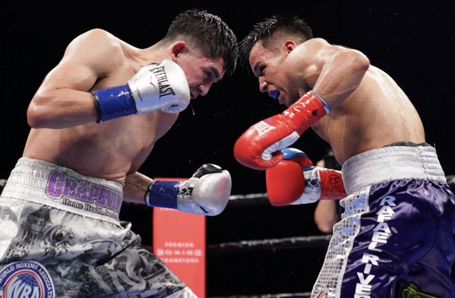 Santa Cruz had to work hard to retain his title against Rivera. Photo Credit: Boxing Scene