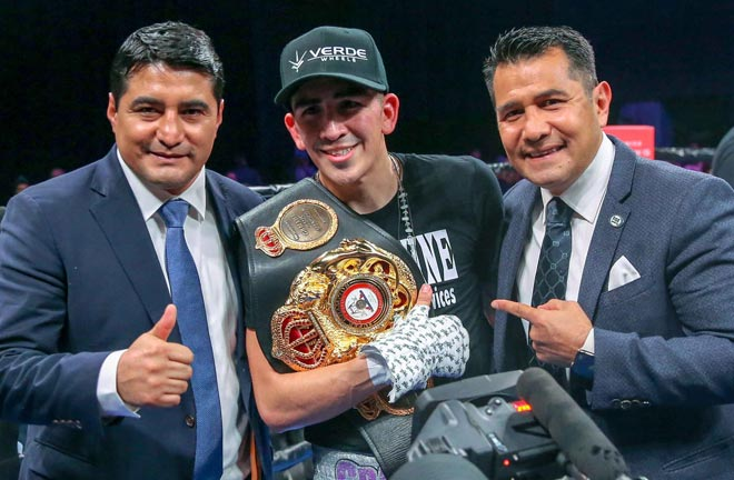 Santa Cruz Beats Rivera To Retain Title. Photo Credit: Premier Boxing Champions