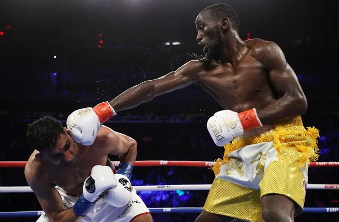 Crawford dominated Khan and defended his WBO welterweight title. Credit: Bad Left Hook