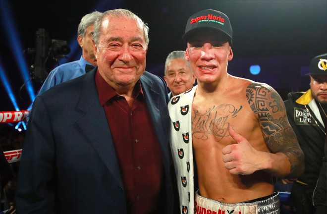 Oscar Valdez with Bob Arum - Photo Credit: Top Rank Boxing
