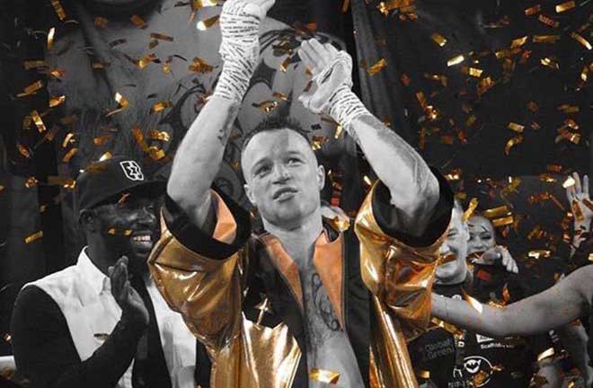 Steven Donnelly Takes Golden Robe. Credit: World Boxing News