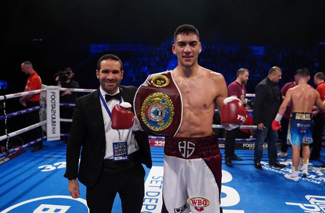 Hamza Sheeraz claimed his first professional title Credit: Frank Warren