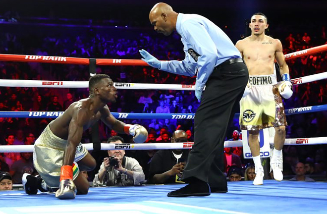 Lopez floored former champion Commey with a huge right hand Credit: Pilla News