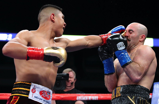 Jaime Munguia stopped Spike O'Sullivan in the 11th round in Texas Photo Credit: Tom Hogan/Golden Boy