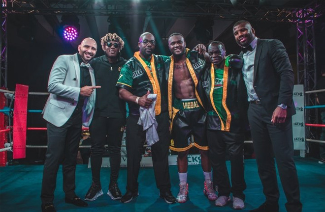 Viddal Riley in Dubai with his manager, trainer, Badou Jack and good friend, KSI. Photo Credit: Boxing Scene.