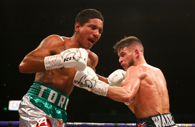 Martin J Ward moved closer to a world title shot as he outpointed Amparan.