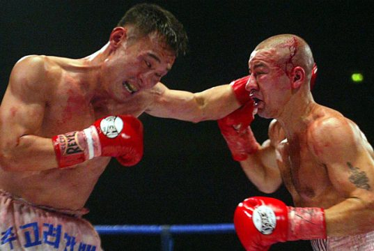 Injin Chi vs Michael Brodie at the MEN arena. Photo Credit: Boxing News.