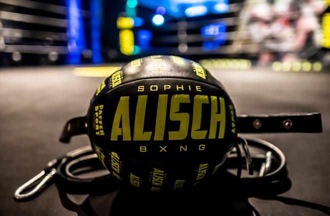 Sophie Alisch branded speed ball in her gym in Berlin. Photo Credit: sophiealischbxng.de