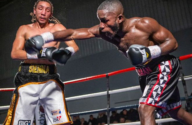 Essuman and Nurse battling it out in-ring. Photo Credit: Nottinghamshire Live