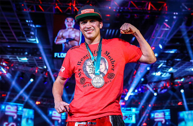 Gabe Flores Jr remained undefeated. Photo Credit: Mikey Williams / Top Rank