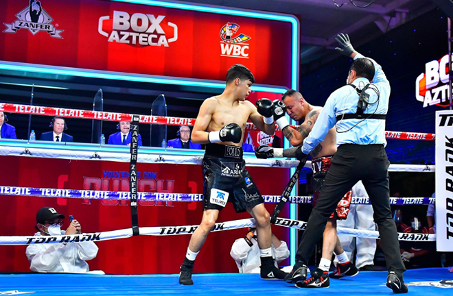 Top Super Lightweight prospect Omar Aguilar continued his ruthless knockout form stopping Dante Jardon Photo Credit: Zanfer Promotions