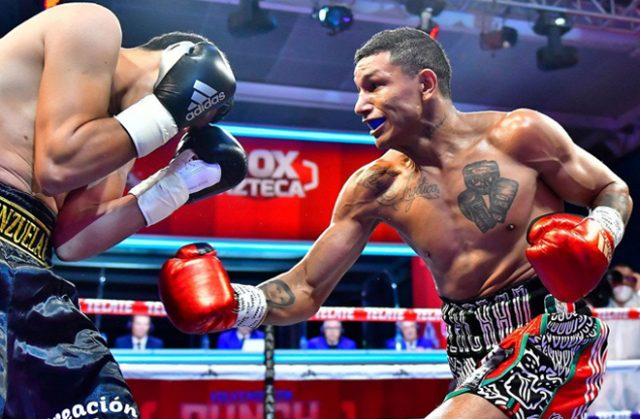 WBC Super Featherweight champion Miguel Berchelt outclassed Eleazar Valenzuela in Mexico City Photo Credit: Zanfer Promotions