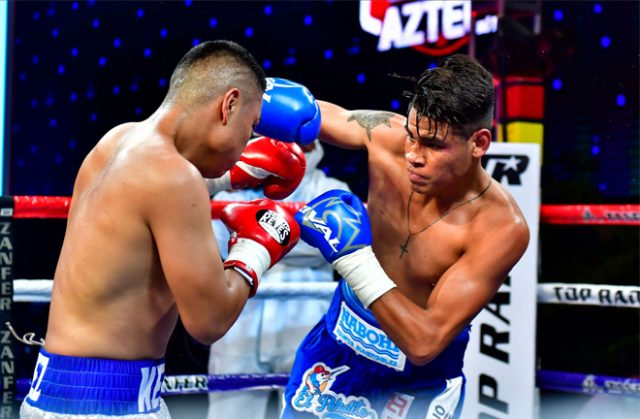 Navarette was in ruthless form as he powered past Lopez Photo Credit: Zanfer Promotions