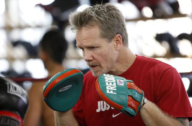 World-renowned trainer Freddie Roach worked Stretch's corner for his World title shot Photo Credit: Wild Card Boxing