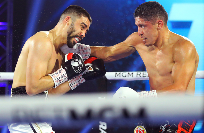 Giovani Santillan battled past Antonio DeMarco to preserve his unbeaten record Photo Credit: Mikey Williams/Top Rank