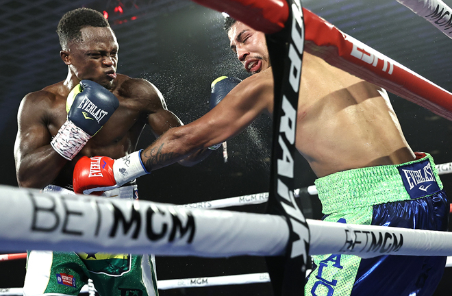 Former Super-Bantamweight World champion Isaac Dogboe made a successful Featherweight debut Photo Credit: Mikey Williams/Top Rank