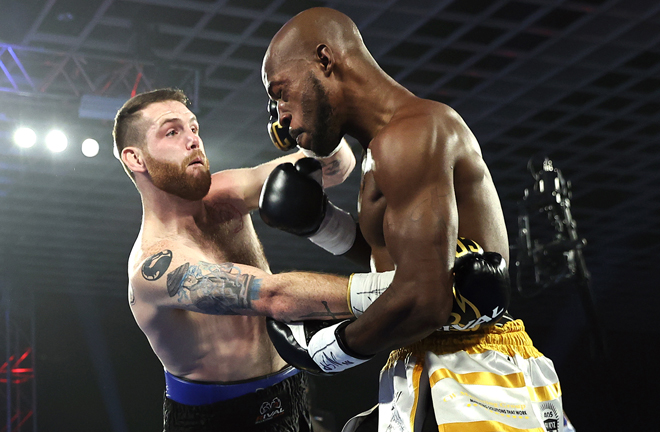 Clay Collard secured a second round stoppage over Maurice Williams Photo Credit: Mikey Williams/Top Rank