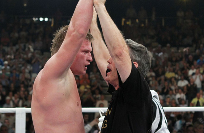 Alexander Povetkin and Teddy Atlas celebrating a victory. Photo Credit: Bad Left Hook