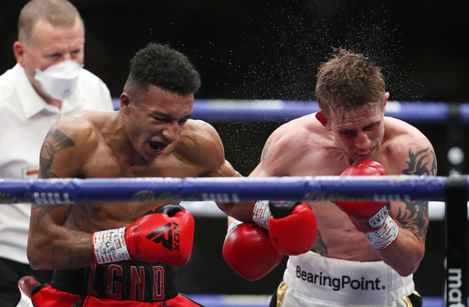 Zelfa Barrett dug deep before stopping Eric Donovan with a showreel eighth round knockout Photo Credit: Mark Robinson/Matchroom Boxing