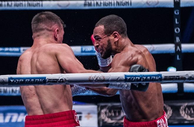 Harlem Eubank beat amateur rival Martin McDonagh with a final round stoppage Photo Credit: Scott Rawsthorne / MTK Global