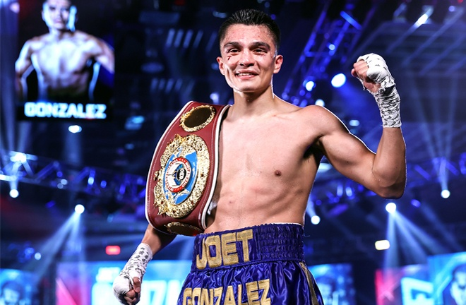 Gonzalez claimed the vacant WBO international Featherweight title Photo Credit: Mikey Williams / Top Rank