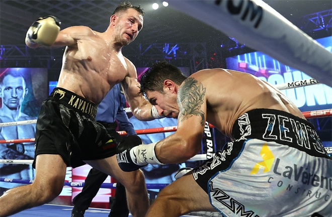 'Mean Machine' had Zewski down twice in the sixth and seventh rounds respectively Photo Credit: Mikey Williams / Top Rank