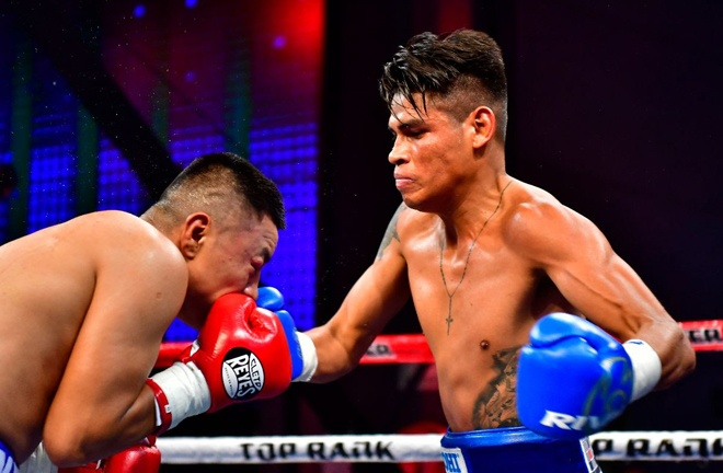 Emanuel Navarrete fights for the vacant WBO Featherweight crown after stopping Uriel Lopez in June Photo Credit: Zanfer Promotions