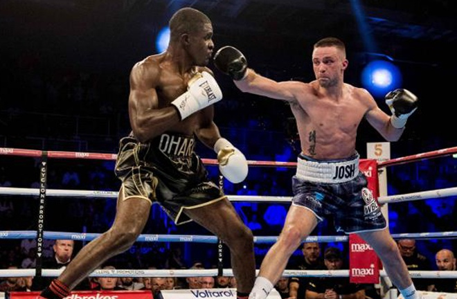Taylor on route to victory over Ohara Davies in 2017 Photo Credit: SNS
