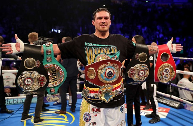 Usyk held all four Cruiserweight world titles Photo Credit: www.givemesport.com