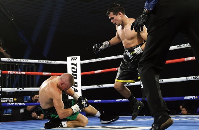 Jose Zepeda knocked out Ivan Baranchyk after an epic, eight knockdown battle in Vegas Photo Credit: Mikey Williams / Top Rank