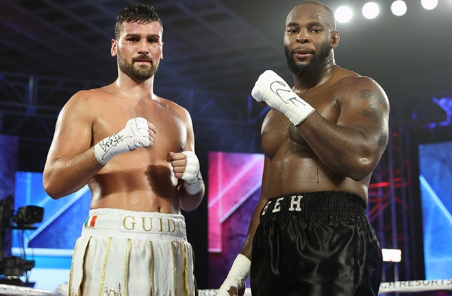 Guido Vianello and Kingsley Ibeh were held to a majority draw Photo Credit: Mikey Williams / Top Rank