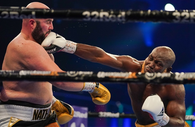 Lartey remained dangerous throughout despite struggling to break Gorman down Photo Credit: Round 'N' Bout Media / Queensberry Promotions