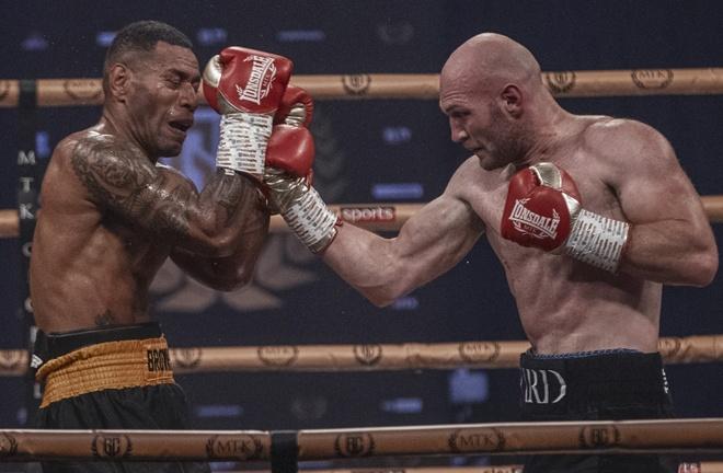 Steven Ward put in a dominant display against Jone Volau on his Cruiserweight bow Photo Credit: Scott Rawsthorne / MTK Global